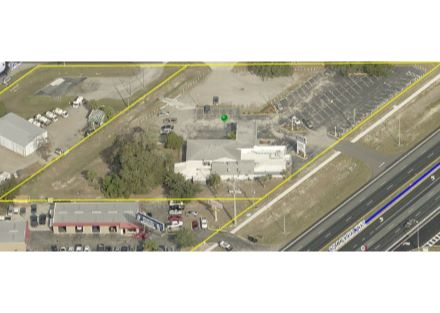 3383 Commercial Way Pic