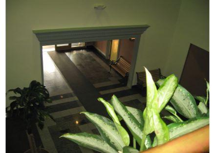 10-Lobby from balcony
