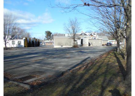 35-240 Naugatuck Ave - parking(53)