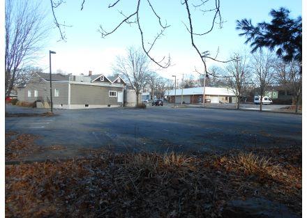 33-240 Naugatuck Ave - parking(51)