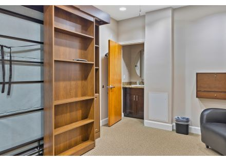 Ex Office with murphy bed 7