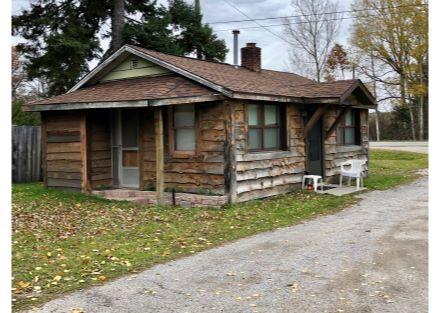 476 sq. ft. Cabin, 1 Bdr, 1 Bth Kit & LV