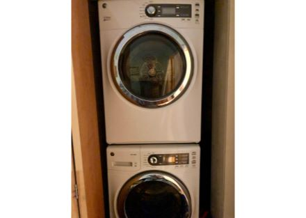 House - Stackable Washer & Dryer