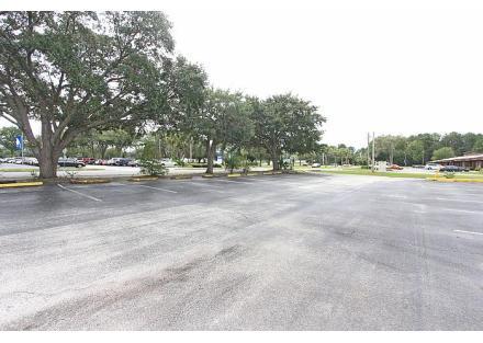 front parking lot,4