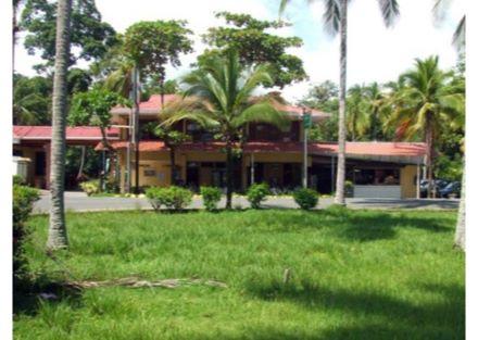 BEACH FRONT HOTEL IN MANUEL ANTONIO