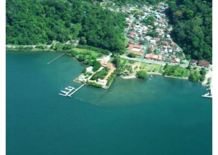 Large Waterfront Hotel and Future Marina in Golfito