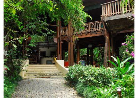 Osa Waterfront Lodge in Puerto Jimenez